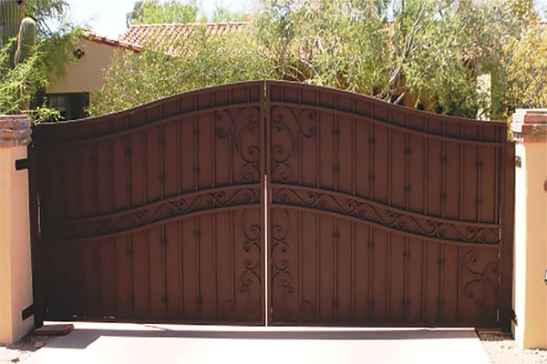 Arched Private Decorative Driveway Gate